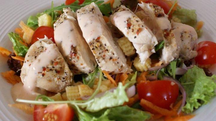 Fácil y delicioso: Este guisado de pollo para principiantes es ideal para aprender a cocinar
