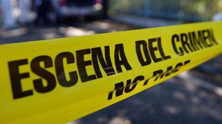 Patrulla de la FGE de Colima cae de un puente; una policía falleció y otro más se encuentra herido