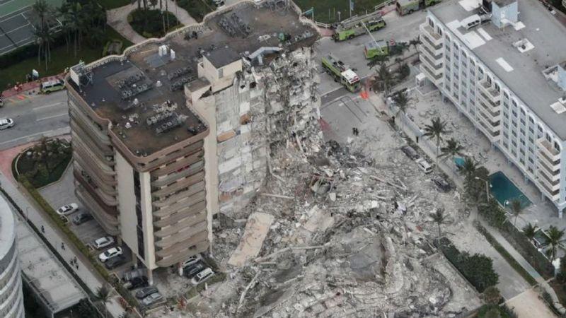 VIDEO: ¡Horror en Miami! Colapsa edificio mientras todos dormían; va un muerto y 99 desaparecidos