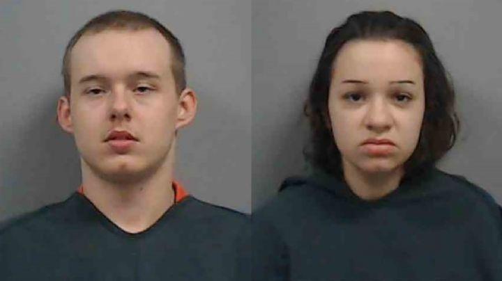 Arrestan a padres adolescentes por la muerte de su bebé; tenía rastros de cocaína