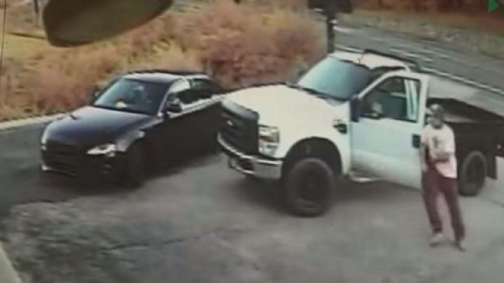 VIDEO: Investigan a oficial de la Policía por disparar en contra de tres adolescentes