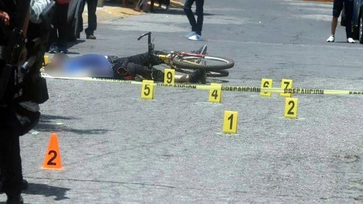 De terror: Sicarios acribillan y matan a ciclista a plena luz del día frente a mercado