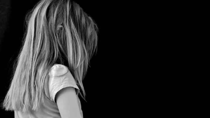 Una niña es vendida por su padre para ser violada en grupo; queda embarazada del ataque