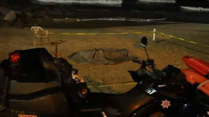 A la orilla del mar de Mazatlán, encuentran el cadáver de un hombre; era empleado de la construcción
