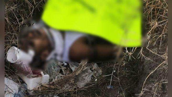 Con narcomensaje en el pecho, sicarios abandonan cadáver; tenía impactos de bala