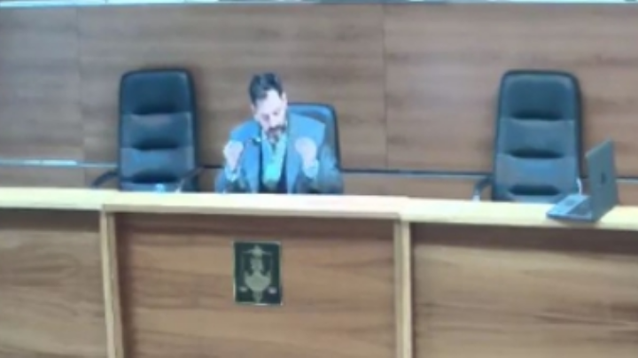 Juez deja en libertad a un albañil acusado de abuso porque utilizó preservativo