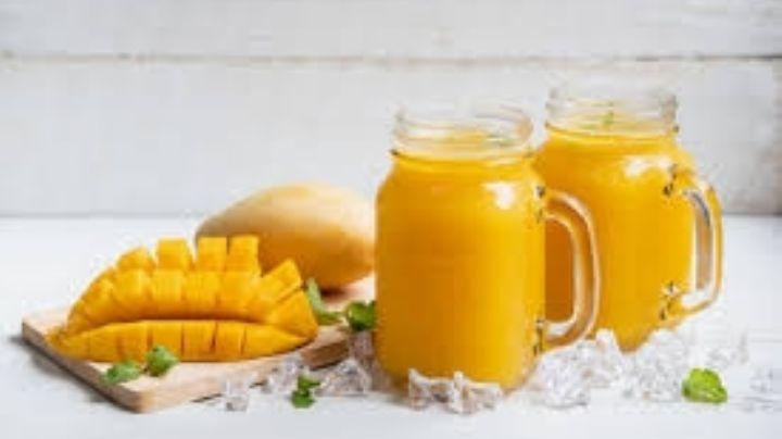 Adelanta el fin de semana con este rico smoothie de mango con un ligero toque de ron
