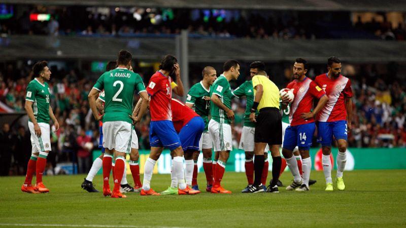 Costa Rica llega para jugar ante México, con más de un año sin poder ganarles