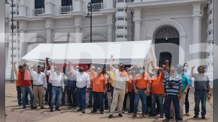 Sonora: Concesionarios del transporte público entregan documento a Alfonso Durazo; piden pronta solución