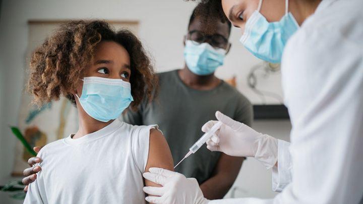 Siete adolescentes vacunados con Pfizer contra el Covid-19 sufren este efecto secundario