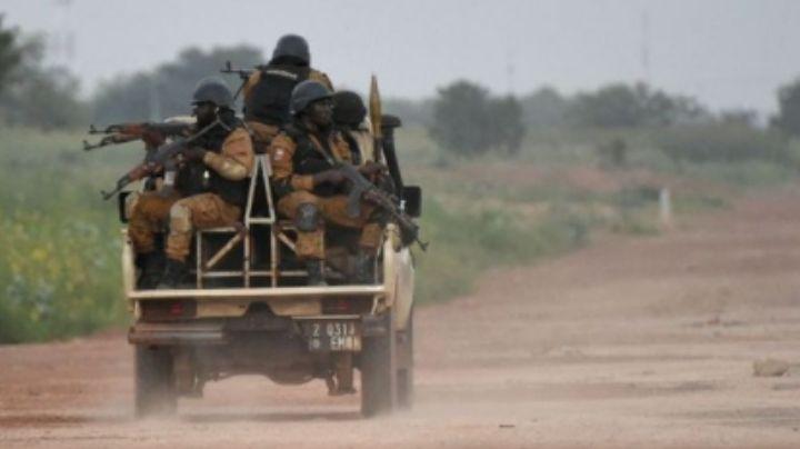 """Ataque sangriento en Burkina Faso: """"Terroristas"""" masacran a 100 aldeanos; habían 7 niños"""