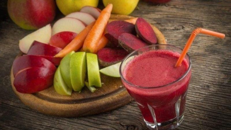 Desintoxica tu cuerpo gracias a este saludable jugo de betabel, zanahoria y manzana