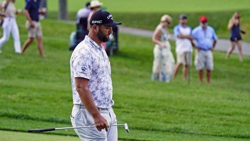¡Insólito! Rahm lidera el Memorial de Golf, cuando le avisan que tiene covid y debe abandonar