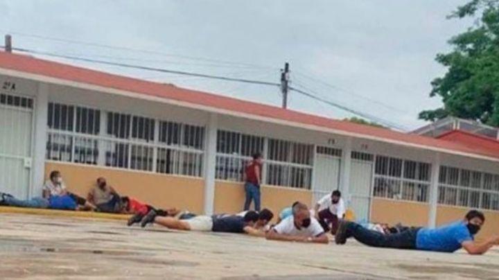 Comando armado irrumpe en primaria de Oaxaca para robar boletas electorales
