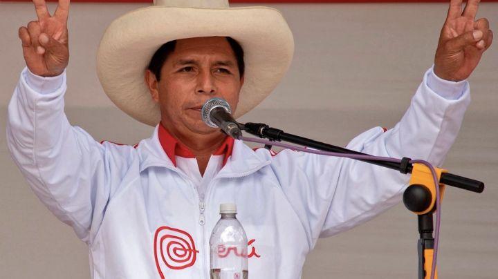 Pedro Castillo adelanta por primera vez a Keiko Fujimori en las elecciones de Perú