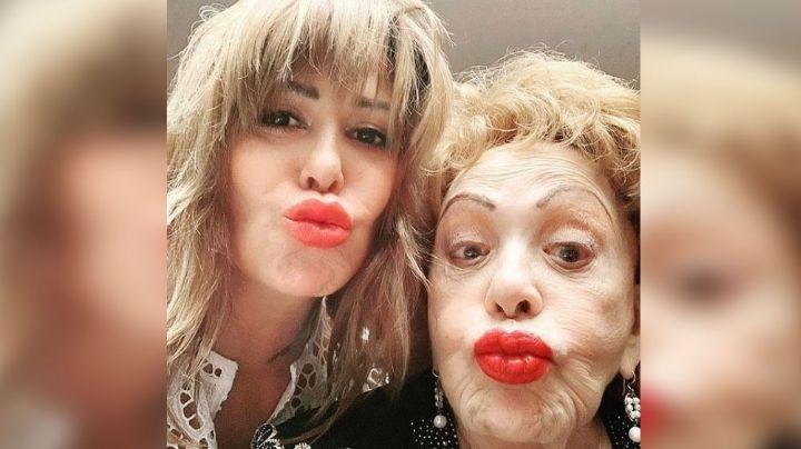 """""""Siempre juntas"""": Silvia Pinal sella su amor por Alejandra Guzmán con tremendo beso en la boca"""