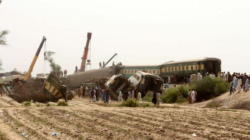 Choque de trenes en Pakistán suma más víctimas fatales: Ya son 40 los muertos