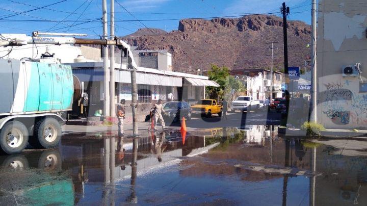 Sonora: Tras falla técnica, drenaje se desborda en el Centro de Guaymas