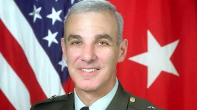 General retirado de Estados Unidos confiesa que violó a su hija desde que tenía 3 años