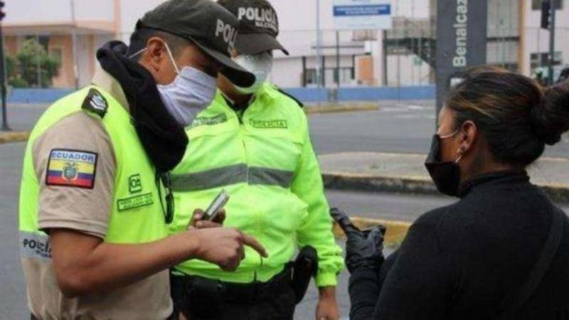 Pobladores de una comunidad indígena secuestran a 6 agentes de tránsito en Ecuador