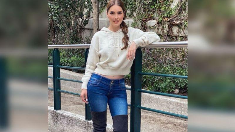¡Señora! A sus 43 años, Marlene Favela deja ver su abdomen de acero en veraniego atuendo