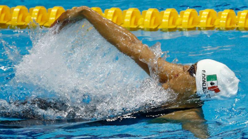 ¡Hacen agua! Nadadores denuncian abandono de Kiril Todorov, a 45 días de JO