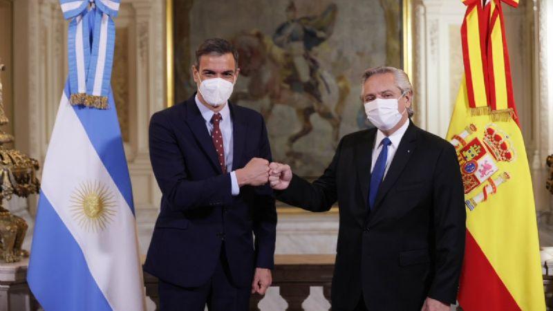 """Presidente de Argentina se disculpa por decir que """"mexicanos salieron de los indios"""""""