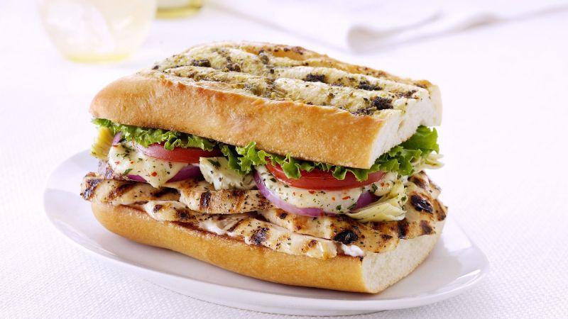 ¡Bomba de verduras! Disfruta de este exquisito sándwich de pollo saludable con tu familia
