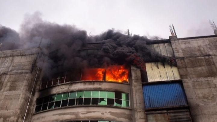 Tragedia en Bangladesh: Incendio en fábrica de comida deja 52 muertos; la mayoría son niños