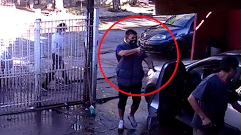 FUERTE VIDEO: A sangre fría, sicario irrumpe en lavado de autos y ejecuta a Daniel frente a su padre