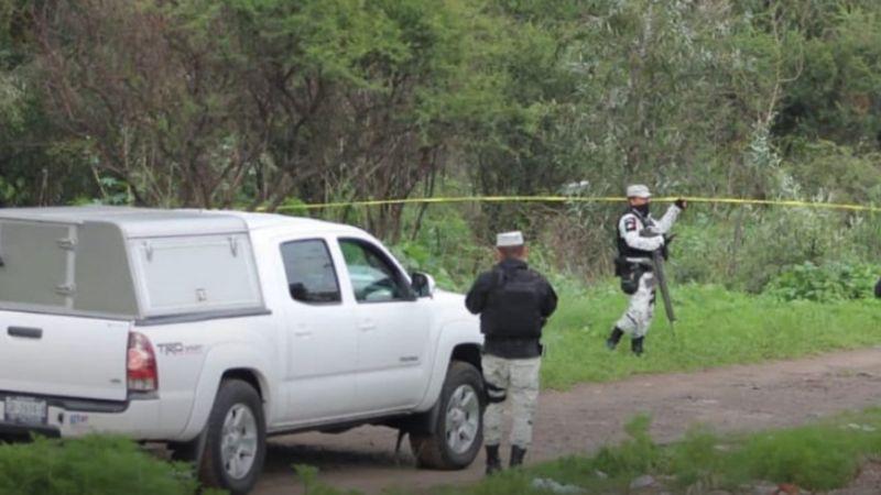 A la vista de todos, automovilistas arrojan restos humanos dentro de una bolsa