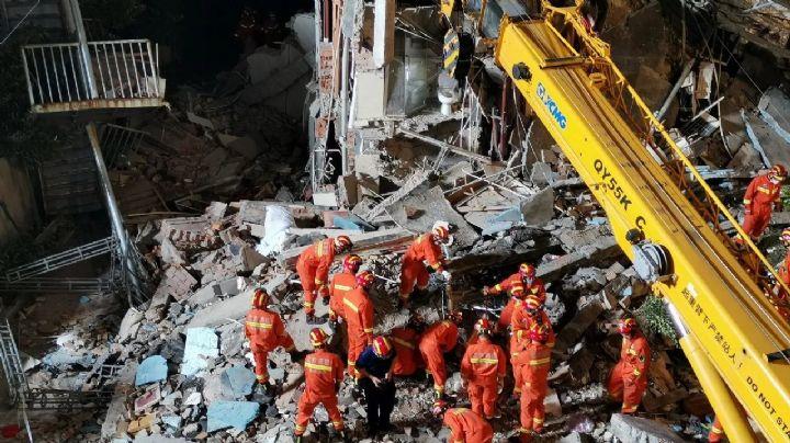 VIDEOS: Hotel en China se desploma; 8 huéspedes fallecieron y hay 9 desaparecidos