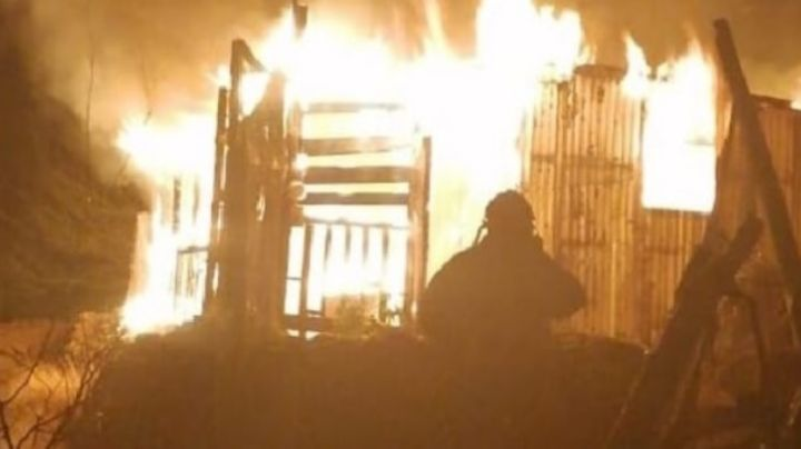 Caborca: Mujer se cansa del cochinero e incendia su casa con su esposo dentro