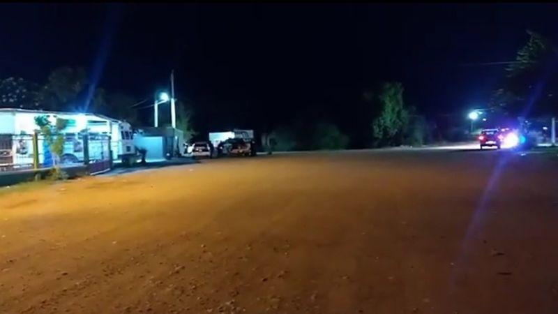 Madrugada violenta: Acribillan a un hombre en Loma de Guamúchil; tiradores querían 'levantarlo'