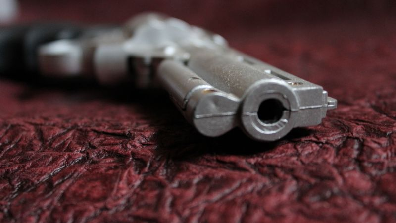 Sin misericordia: Con un disparo, matan a asaltante en plena combi; su cómplice huyó