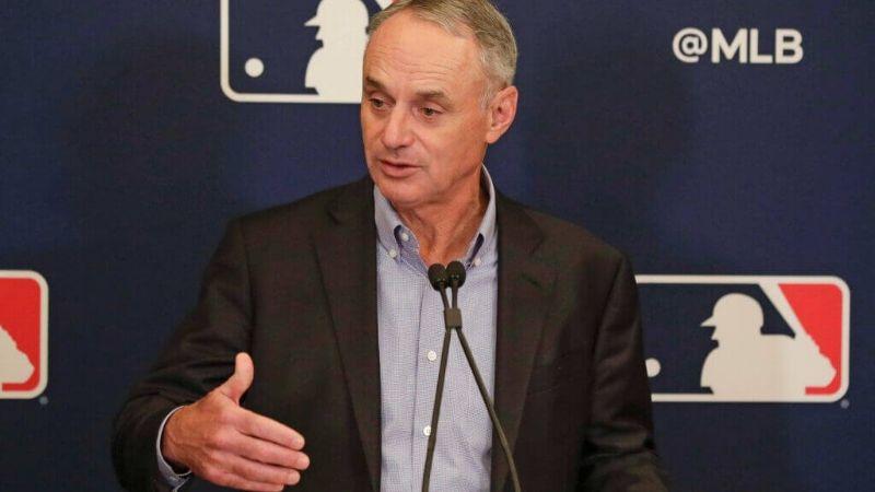 ¿Atrás los fielders? Manfred anuncia eliminación de un par de reglas en el beisbol de GL