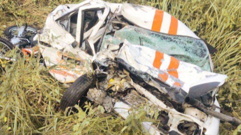 Fatal accidente: Pierden la vida 4 personas que viajaban en taxi sobre la carretera