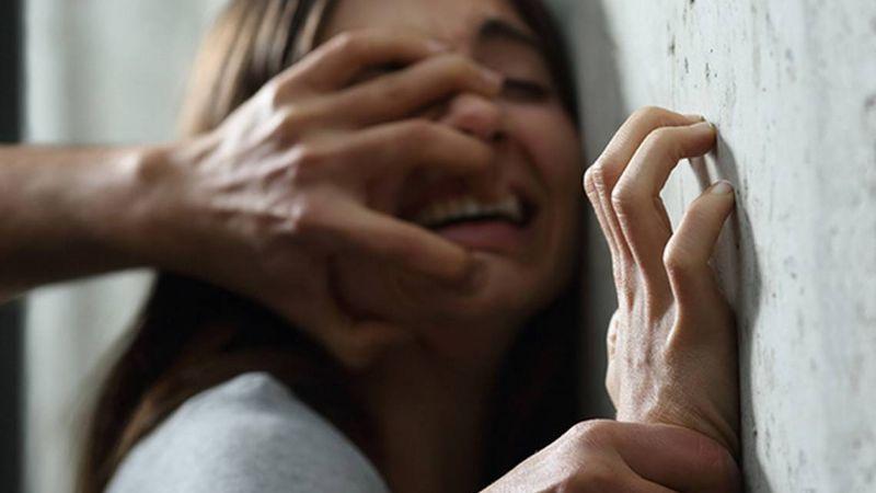Una mujer vive una pesadilla al ser asaltada y abusada por el 'Suavitangas' en su propia casa