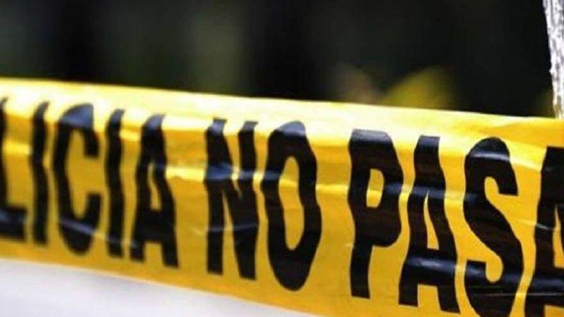 Joven es encontrado sin vida dentro de una casa; estaba suspendido con una soga en el cuello