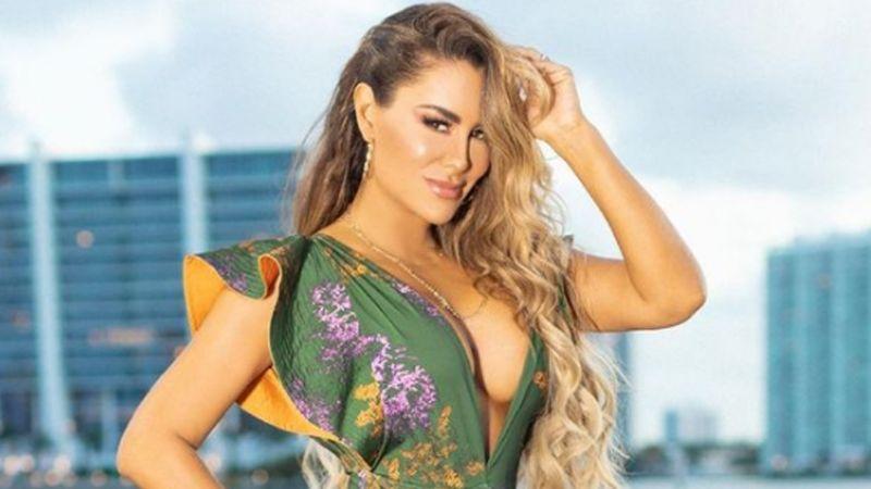 """Ninel Conde paraliza Instagram con coqueto 'outfit' de verano en playa de Miami: """"Tremenda diosa"""""""