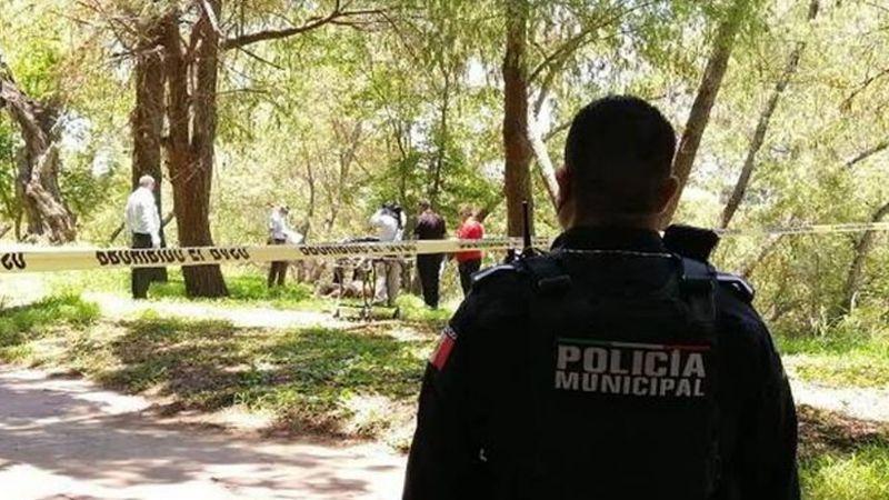 En estado putrefacto, encuentran el cuerpo de un joven a orillas de un río en Culiacán