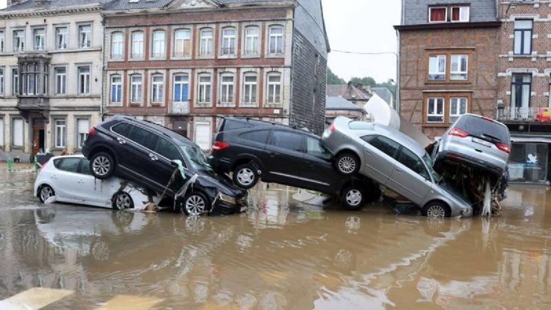 FUERTE VIDEO: ¡Tragedia en Alemania! Van más de 60 víctimas y mil 300 desaparecidos tras inundaciones