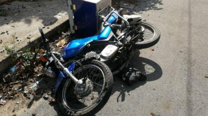 Aprisionado bajo las llantas de una camioneta, muere un motociclista mientras trabajaba