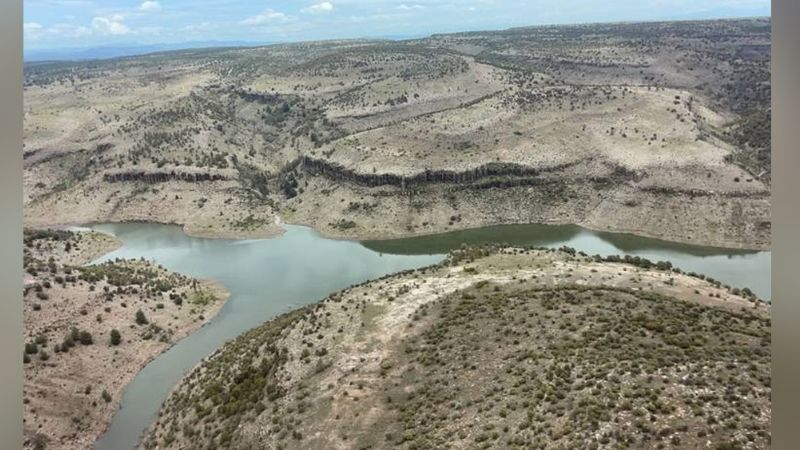 Desgarrador crimen: Autoridades encuentran el cuerpo de una mujer en aguas de una presa