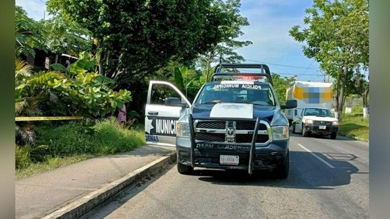 Brutal homicidio: Hombre es aniquilado a machetazos en la calle; habrían sido dos mujeres