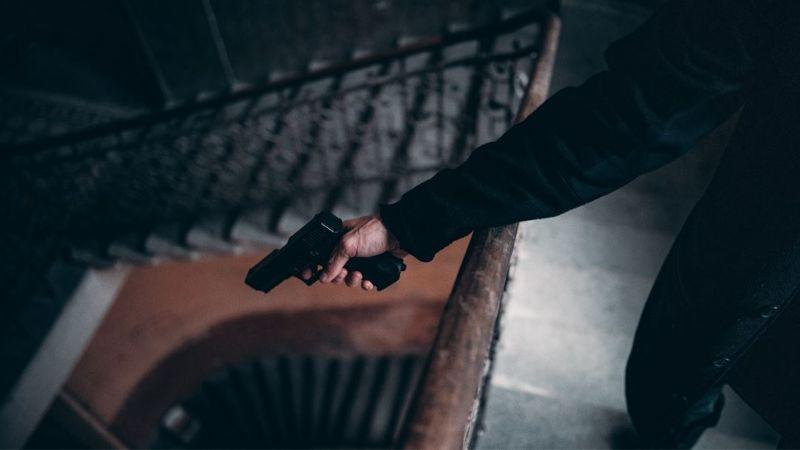 Violencia imparable: Un hombre es baleado; hallan su cuerpo en el patio de una casa