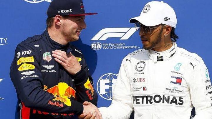 F1 GP Gran Bretaña: Tras colisión, Hamilton gana; 'Checo' Pérez, de Red Bull, hasta el lugar 13