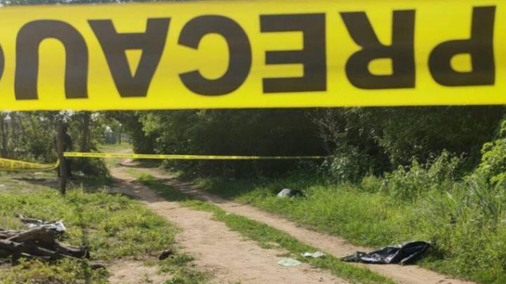 Sin vida y baleado, dejan a hombre de la tercera edad frente a un panteón