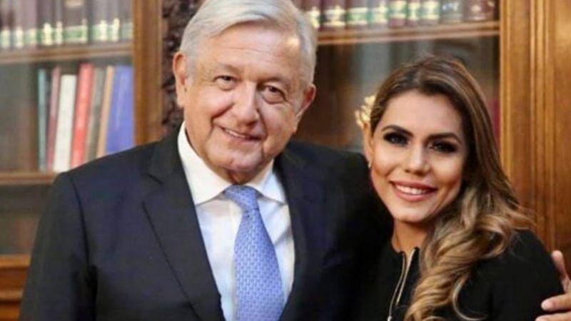 """Llaman """"hipócrita y sinvergüenza"""" a AMLO por reunirse con Evelyn Salgado: """"Fotaza con Juanita narco"""""""