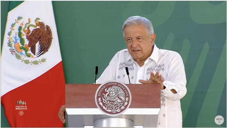 Consulta popular para juzgar expresidentes: Pese a veda del INE, AMLO seguirá con sus giras